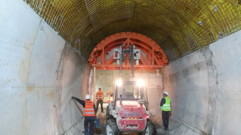 Stage 1 –  drilling of a forepoling umbrella for the main tunnel