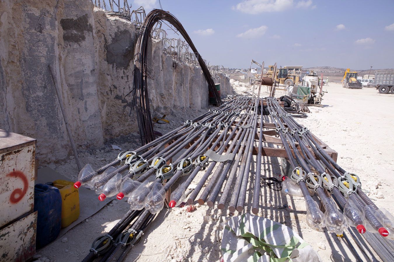 Rock Anchoring Services : Soil and rock bolts anchors פמקו